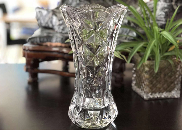 25cm Height Transparent Clear Glass Vases Machine Made Desktop In Stock