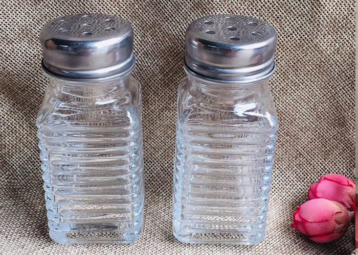 Kitchenware Glass Seasoning Shakers / Cool Glass Containers 80ml Capacity
